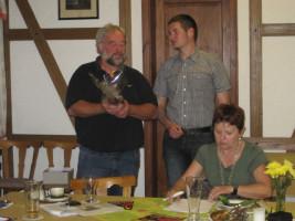 Janis Heller bedankt sich bei Robert Römmelt für die fachkundigen Ausführungen zur Windkraft